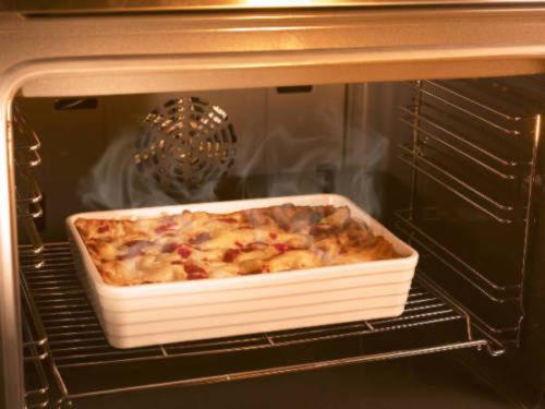 Ovenproof stoneware dish